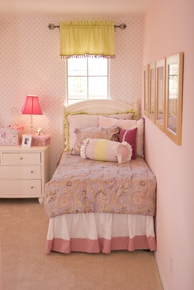 comment d corer sa chambre de fille. Black Bedroom Furniture Sets. Home Design Ideas
